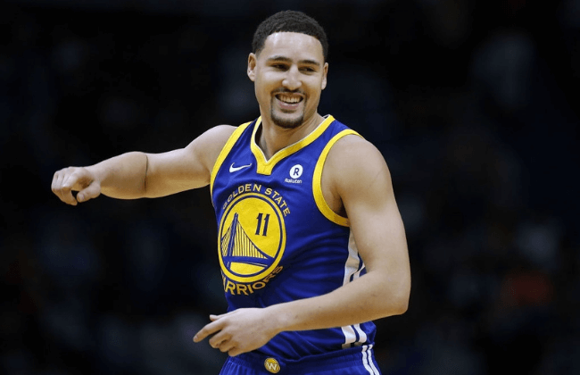 NEW ORLEANS, LA - DECEMBER 04:  Klay Thompson #11 of the Golden State Warriors reacts during the second half of a game against the New Orleans Pelicans at the Smoothie King Center on December 4, 2017 in New Orleans, Louisiana. NOTE TO USER: User expressly acknowledges and agrees that, by downloading and or using this Photograph, user is consenting to the terms and conditions of the Getty Images License Agreement.  (Photo by Jonathan Bachman/Getty Images)