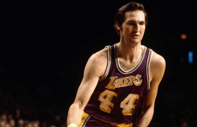 MILWAUKEE, WI - NOVEMBER 26: Jerry West #44 of the Los Angeles Lakers handles the ball against the Milwaukee Bucks on November 26, 1974 at the Milwaukee Arena in Milwaukee, Wisconsin. NOTE TO USER: User expressly acknowledges and agrees that, by downloading and or using this photograph, user is consenting to the terms and conditions of the Getty Images License Agreement. Mandatory Copyright Notice: Copyright 1974 NBAE (Photo by Vernon Biever/NBAE via Getty Images)