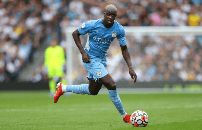 LONDON, ENGLAND - AUGUST 15:  Benjamin Mendy of Manchester City runs with the ball during the Premier League match between Tottenham Hotspur  and  Manchester City at Tottenham Hotspur Stadium on August 15, 2021 in London, England. (Photo by James Gill - Danehouse/Getty Images)