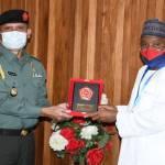 Perkuat Kerjasama Militer Pertahanan, Atase Pertahanan RI Dampingi Dubes RI-Abuja Bertemu Dengan Menhan Nigeria