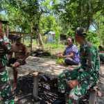 Satgas Yonif MR 413 Kostrad Keliling Kampung Kuatkan Ikatan Silaturahmi di Papua