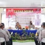 Kunjungi Polsek Sangasanga Dan Polsek Muara Jawa, Kapolres Kukar Tekankan Netralitas Polri