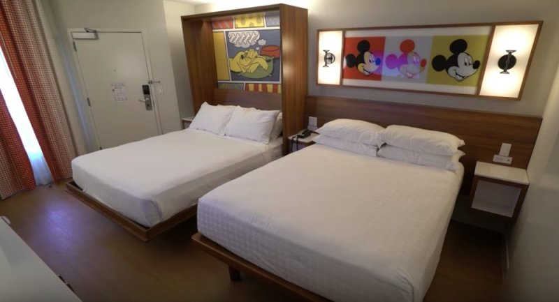 This image has an empty alt attribute; its file name is pop-century-refurb-room-04.jpg