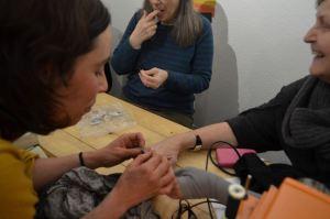 22 personer kom och lagade sina kläder på Bagarmossen Resilience Centre