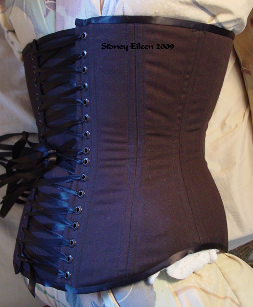 Front-Lacing Tight-Lacing Underbust, Seamstress: Sidney Eileen