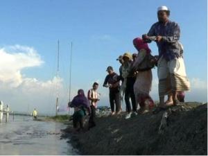 Desa-desa yang terendam lumpur tinggal kenangan. hanya hamparan lumpur yang terlihat