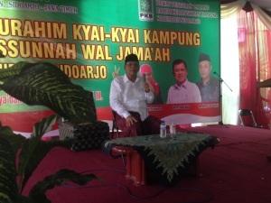KH Hasyim Muzadi saat orasi politik dukungan kepada Jokowi-JK