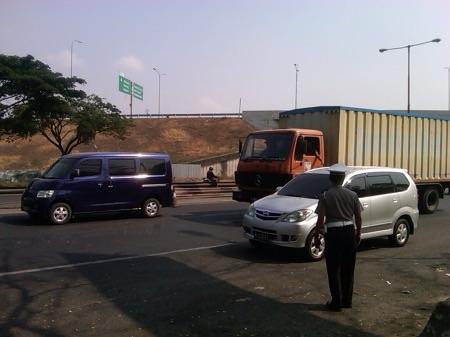 Lokasi tempat Bus Harapan Jaya terbalik