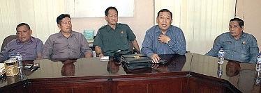 Petinggi Fraksi GBP, Fraksi PAN dan Fraksi Gerindra saat mendeklarasikan KMP di DPRD Sidoarjo, beberapa waktu lalu.