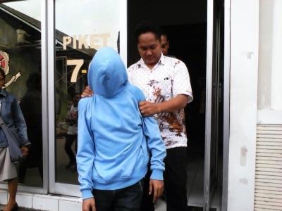 Arbi digelandang petugas untuk diproses hukum lebih lanjut