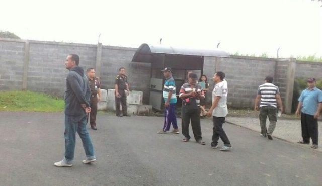 Penyidik Kejari Sidoarjo melakukan penyelidikan terkait dugaan penjualan TKD di Desa Sidokepung