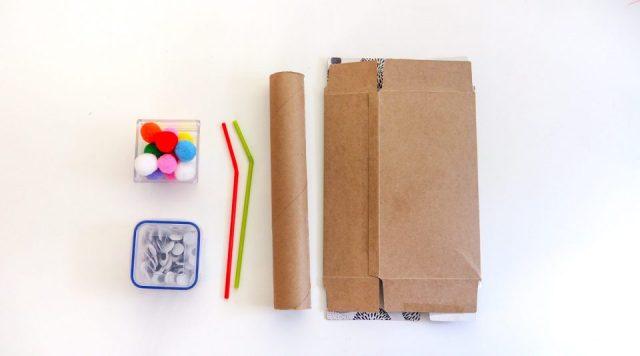 材料:小毛球、小眼睛、吸管、長捲筒、空面紙盒