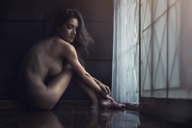 nude girl with open hairs