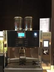 Kostenpflichtiger Kaffeeautomat Weite Welt Restaurant AIDAprima Aussehen Bilder