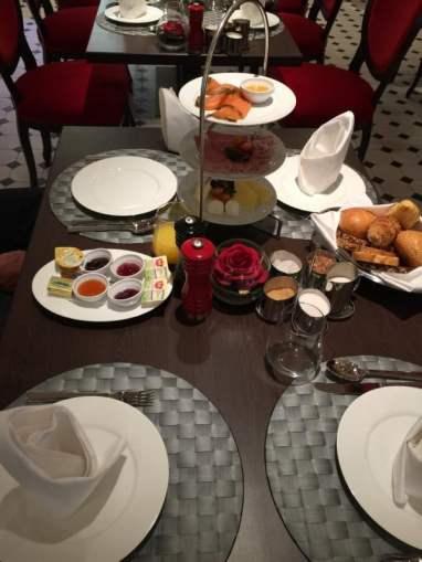 Frühstück French Kiss Brasserie AIDAprima Essen Bilder Tisch
