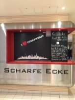 Scharfe Ecke Currywurst Getränke AIDAprima