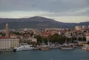 Sail Away Split mit AIDAbella Hafen Kroatien Boote Schiffe Meer