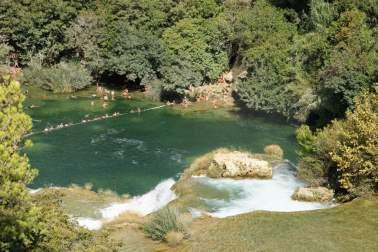 Wasserfall Nationalpark Krka Badestelle unter dem Skradinski buk Kroatien