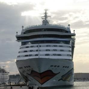 AIDAbella Split Hafen Schiffe Boote Kroatien Meer Kreuzfahrt AIDA