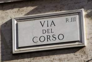 Straßenschild Via del Corso Rom