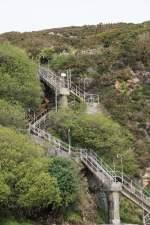 Treppe zum Küstenwanderweg Fishguard Wales