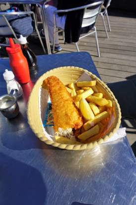 Fish and Chips am Strand von Weymouth