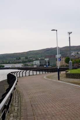 Der Custom House Quay Uferpromenade und den Clyde.
