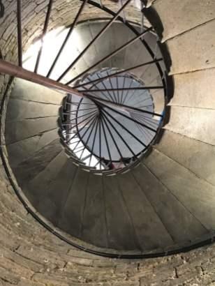 262 Stufen zur Kolonnade