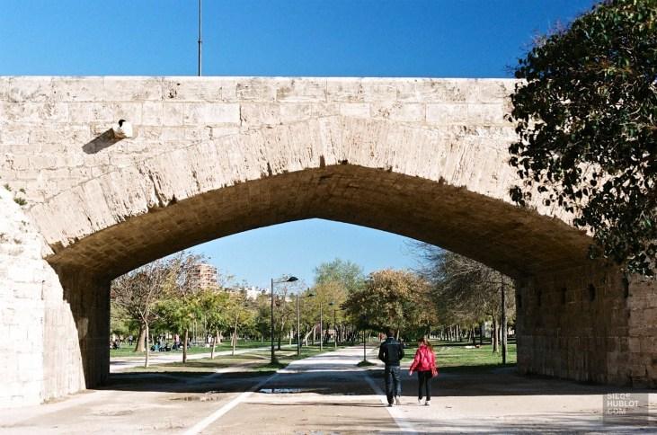 Promenade sous le pont - Jardin Turia - Mon coeur Valence - Europe,Espagne