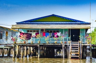Village flottant linge a secher 2 - Sultanat de Brunei Darussalam - Asie, Brunei
