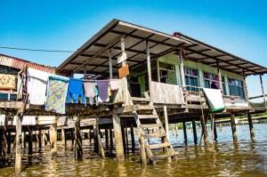 Village flottant linge a secher - Sultanat de Brunei Darussalam - Asie, Brunei