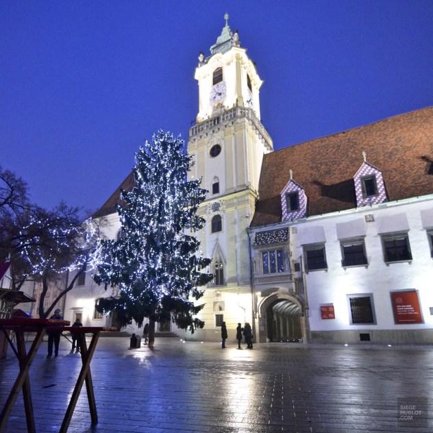 Église nuit Bratislava