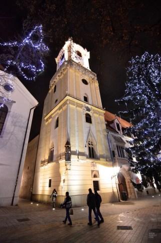 église vieille ville - Bratislava, Slovaquie - Marchés de Noël - Europe, Autriche, République tchèque, Slovaquie