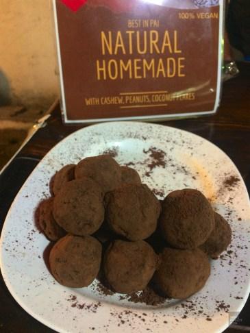 Boules végétaliennes au chocolat - Le Night Market - Pai et la fraicheur des montagnes - Asie, Thaïlande