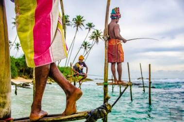 jupes colores pecheurs - Koggala et les pêcheurs traditionnels - Les plages du Sri Lanka et plus encore - Asie, Sri Lanka