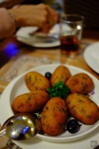 Acras de morue - La cuisine macanaise - Découvrir Macao - Destination, Asie, Chine