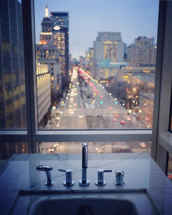 Baignoire avec vue - Shangri-La - 12 Hôtels à Toronto - Amérique du Nord, Canada, Ontario