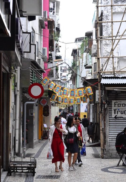 Les copines font du shopping - Un peu de démographie - Découvrir Macao - Destination, Asie, Chine