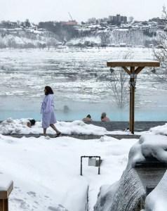 Peignoir blanc - Québec, Capitale-Nationale - Le Strøm spa nordique du Vieux-Québec - Canada