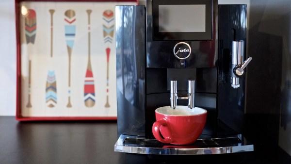 Un café à la Jura, l'excellence à la Suisse! - suisse, europe, destinations, canada