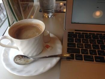 Cafeルノアールが居心地よくノマドに最適!残念なのは1つ、タバコ。