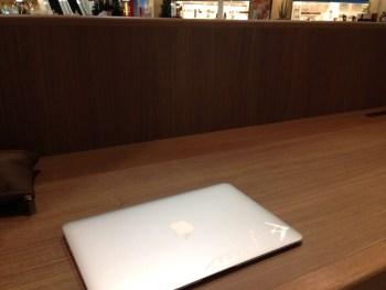 MacBookAirの電源が入らない!困ったときは検索する
