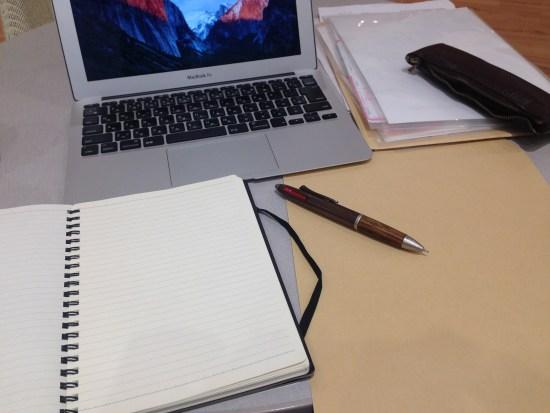 MacBookAirと筆記用具
