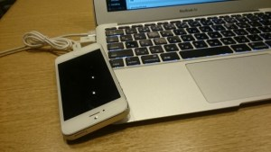 iPhoneとMacBookAir