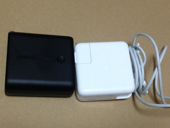 MacBookAirの充電器と比較