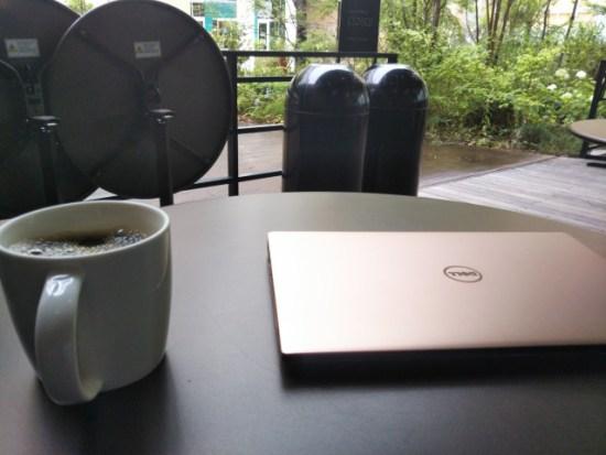 カフェのパソコン