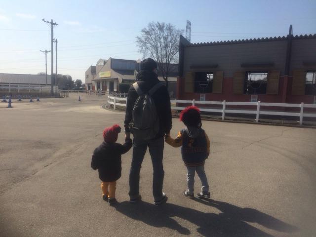 子供たちが兄弟で遊んでいる姿が微笑ましい。ケンカも多いけど二人いてよかったなと感じる