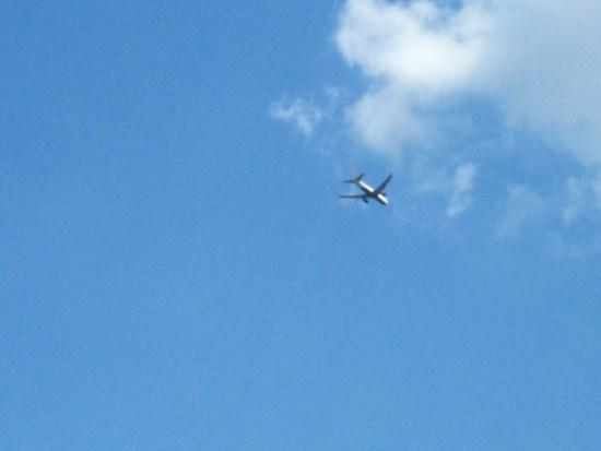 イバライドから見える飛行機