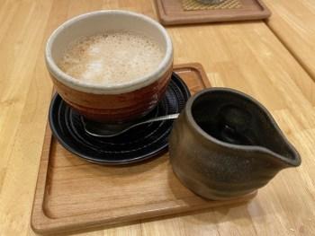 茶鍋カフェ 神楽坂 茶寮でランチ。きな粉ラテが美味しい
