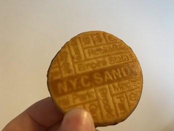 行列しているクッキーのお店N.Y.C.SANDが安くて美味しい